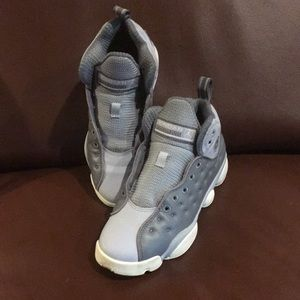 Jordans Basketball Shoes